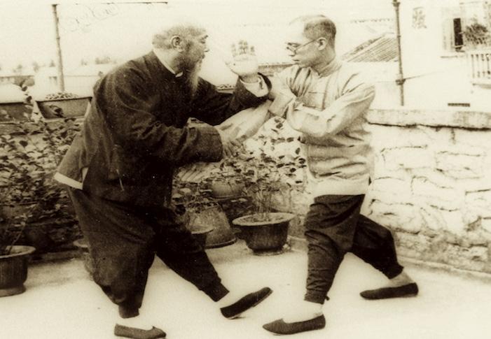 Wu Jian Quan in Tui Shou training